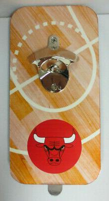CHICAGO BULLS NBA BASKETBALL MAGNETIC CLINK N' DRINK BOTTLE