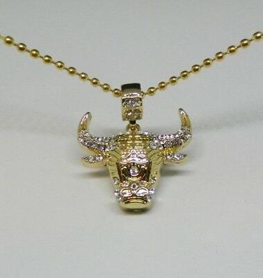 mip gold tone chicago bulls logo pendant