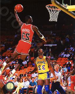 MICHAEL JORDAN Chicago Bulls 8X10 Action Dunk Photo
