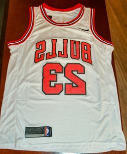 Michael Jordan WHITE Chicago Bulls jersey 23 - Men's Medium