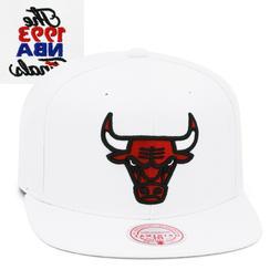 Mitchell & Ness Chicago Bulls Snapback Hat Cap White/NBA Fin