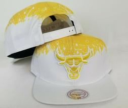 Mitchell & Ness NBA Chicago Bulls White / Yellow paint dripp